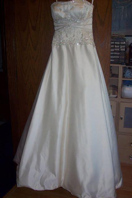 28 best WEDDING: Dress Bustle images on Pinterest   Short