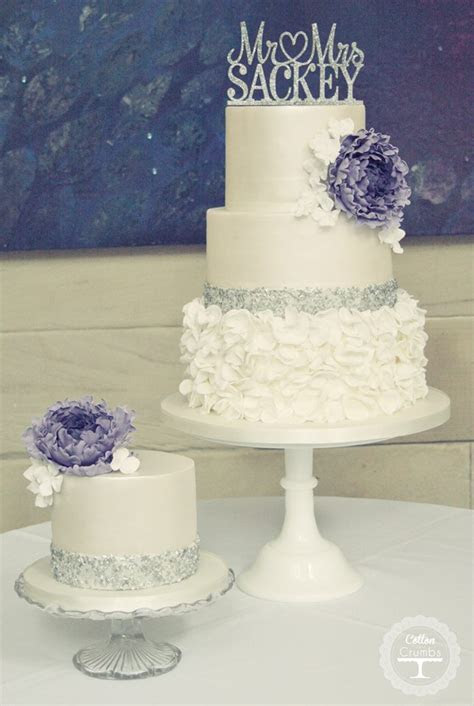 35 Chic Classy Wedding Cake Inspiration   MODwedding