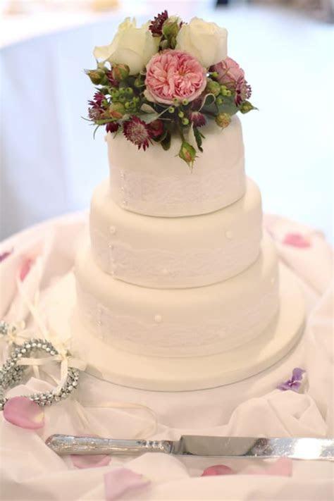 Wedding Wednesday: Inspiration for Wedding Flowers in