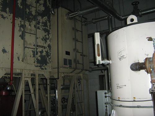 An empty pipe / generator room 3