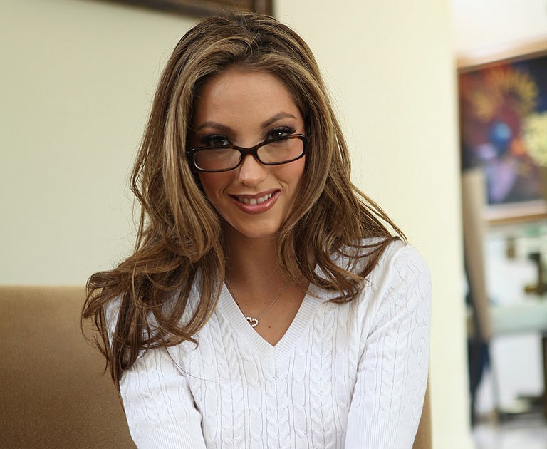 Download OnlyFans Jenna Haze Teases You With Yellow Undies