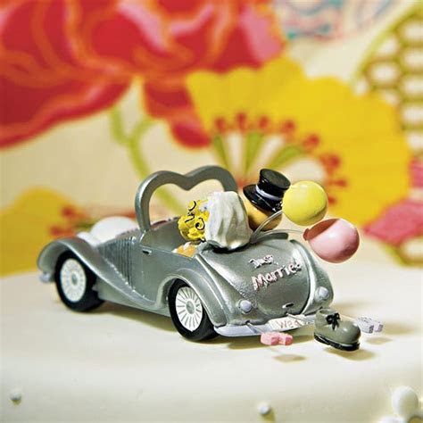 Wedding Get a way Car Figurine   Confetti.co.uk