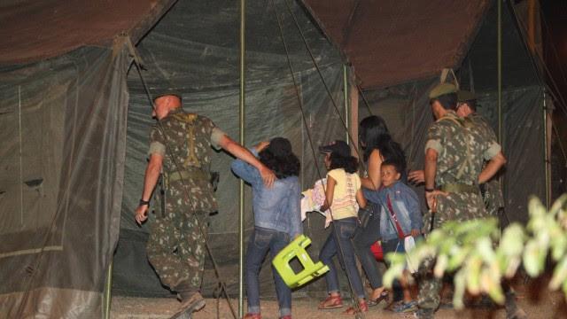 Até o início da noite desta segunda-feira, três crianças haviam deixado a Assembleia Legislativa da Bahia, onde estão os grevistas