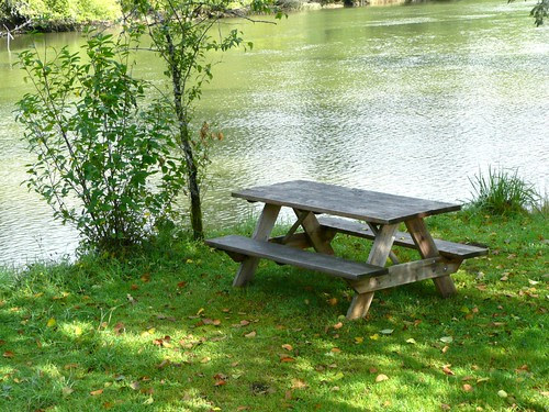 Hoquiam River and Picnic Table by RV Bob
