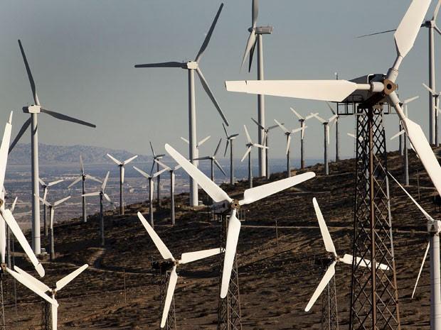 Turbinas eólicas instaladas no estado da Califórnia, nos Estados Unidos (Foto: Konrad Fiedler/Bloomberg via Getty Images)