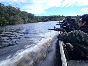 Exército, Marinha e Aeronáutica intensificaram ações nas fronteiras da Amazônia Ocidental (Foto: Divulgação/Exército)