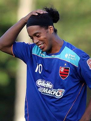 Ronaldinho treino Flamengo (Foto: Alexandre Cassiano / Agência O Globo)