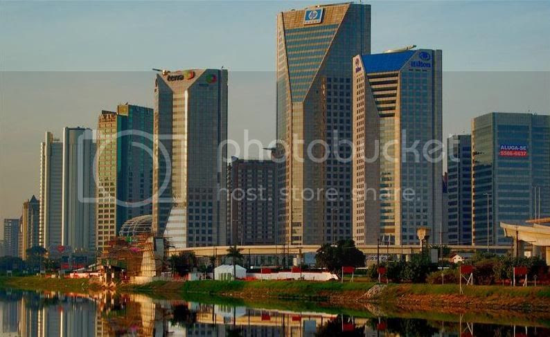 Centro Empresarial Nações Unidas - picture by Flavius Versadus