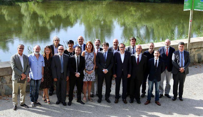 Foto oficial del pacte del Ter.