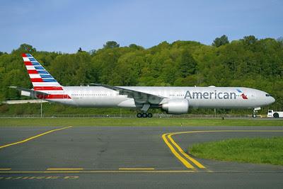 American Airlines Boeing 777-323 ER N722AN (msn 31547) BFI (Joe G. Walker). Image: 911900.