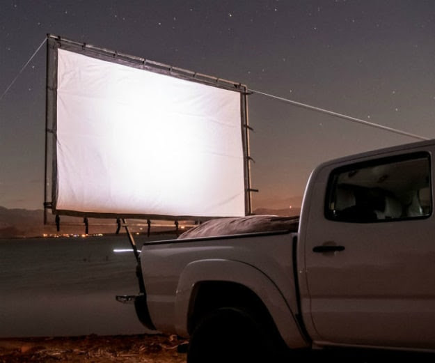Portable Outdoor Movie Screen For Camping Movie Nights