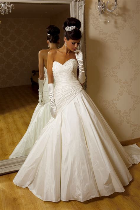 Amira Wedding Dress from Hollywood Dreams   hitched.co.uk