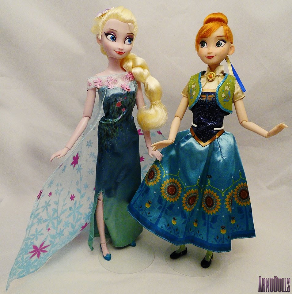 Closer Look At The Disney Store Frozen Fever Classic Anak