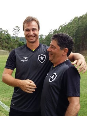 Jair com Emílio Faro e Felipe Conceição no treino do Botafogo (Foto: Felippe Costa)