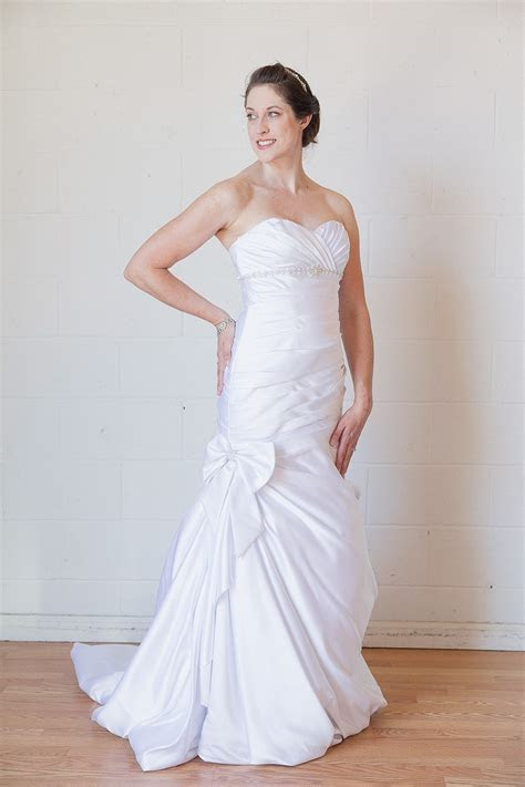 David's Bridal V3204 Used Wedding Dress on Sale 8% Off