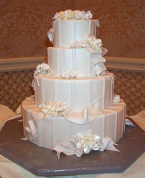 Elegant & Whimsical Wedding Cakes   DisneyFairyTales.com