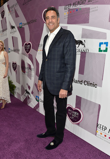 Avatar of Brad Garrett Joins Showtime's Standup Comedy Drama 'I'm Dying Up Here'