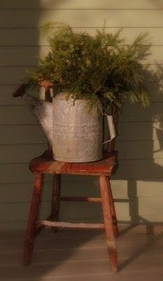 Country decor / WATER CAN -- I have all the stuff to make this come alive right now! :)