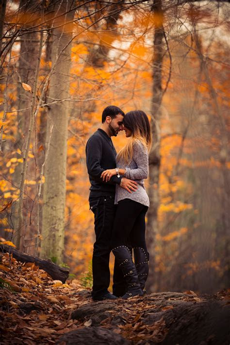 Stunning Fall Engagement Session   Belle The Magazine