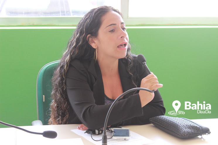Vereadora Ana Jaira foi presa na companhia de um jovem portando arma de fogo. (Foto: Arquivo/Bahia Dia a Dia)