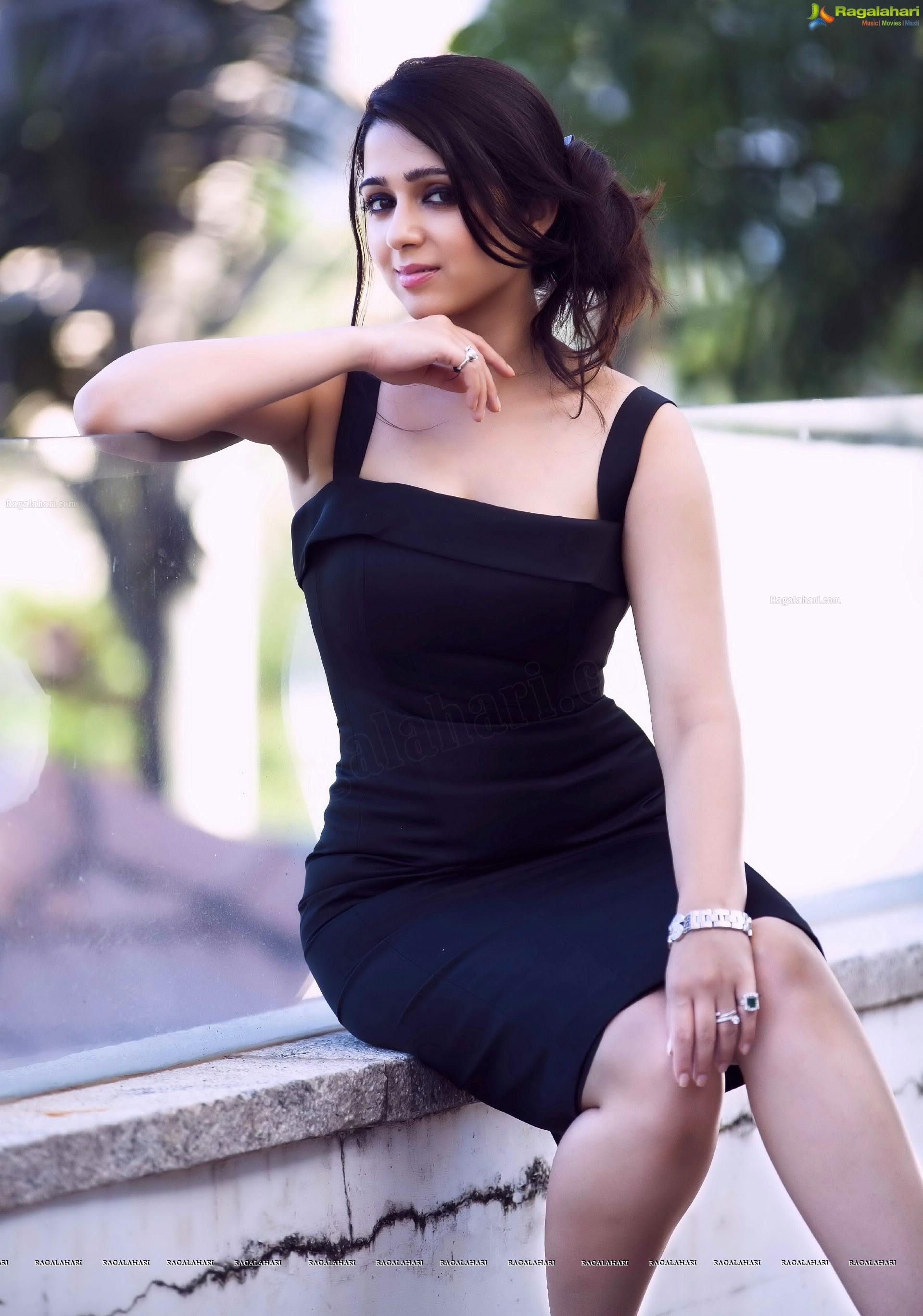 Charmee Kaur Awesome Hot Show  Hot  Cute Website-3941