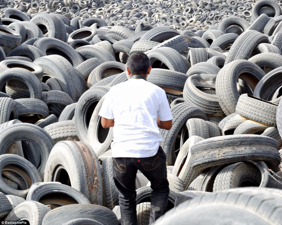 Worlds Biggest Tyre Graveyard Incredible Images Of