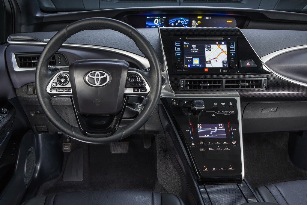Test drive: Hydrogen fuel cell Toyota Mirai cruises 300 ...