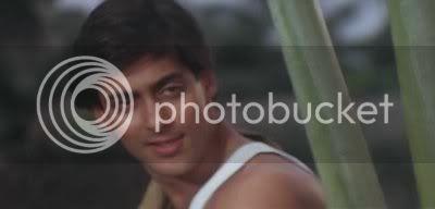 http://i298.photobucket.com/albums/mm253/blogspot_images/Baaghi/PDVD_019.jpg