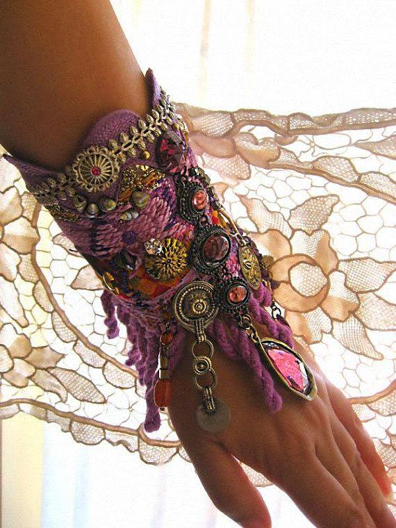 bracelet / cuff