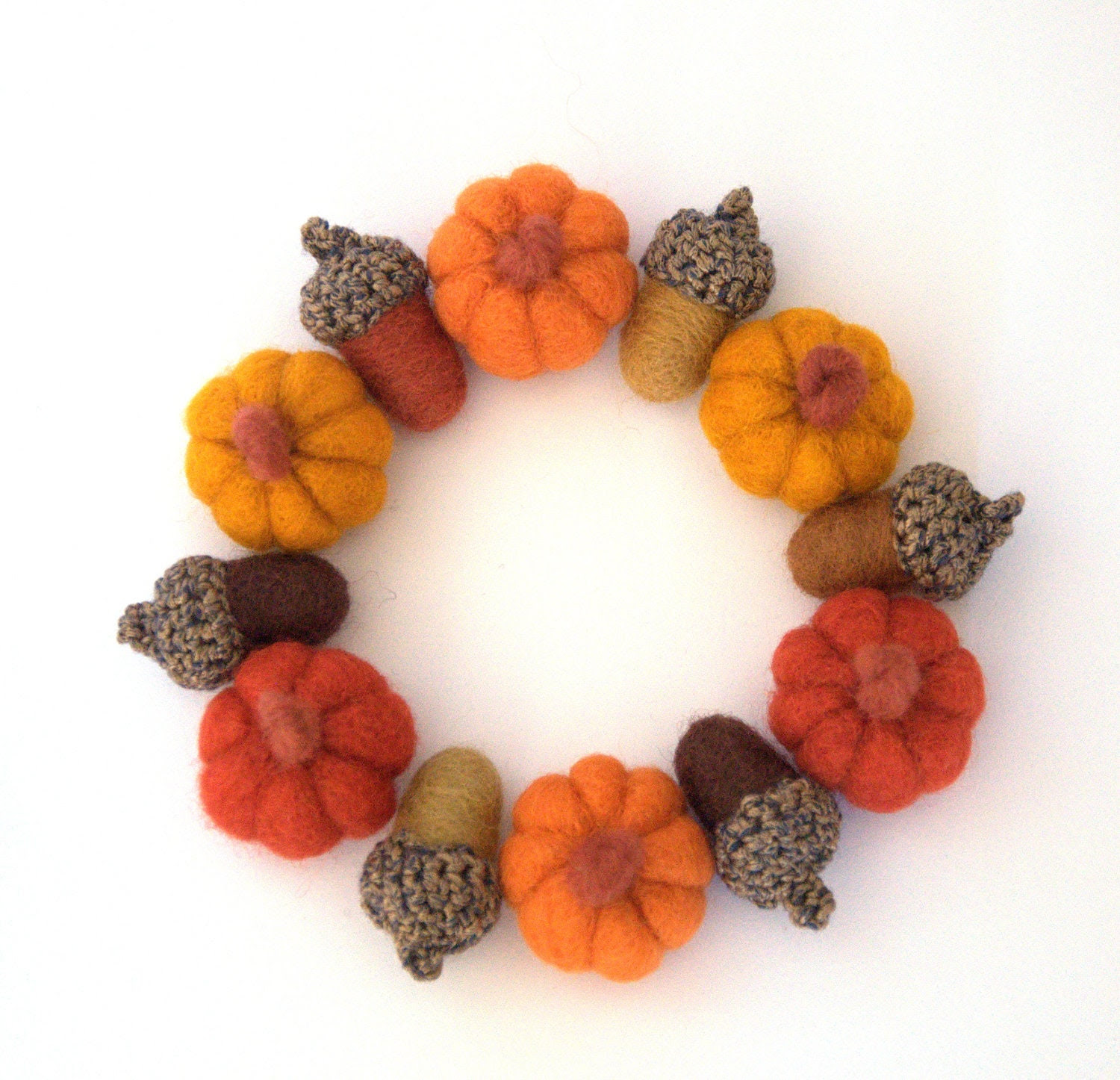 Autumn Weddings favor 6 small wool Pumpkins handmade felted decor gift Halloween autumn wreath Christmas ornament garland Thanksgiving table - astashtoys