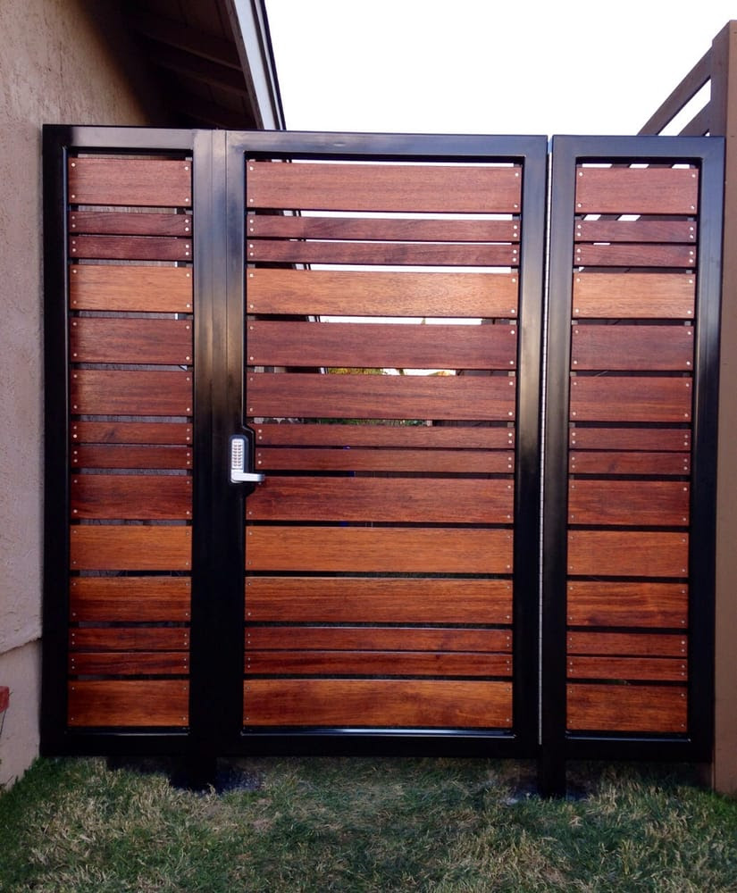 Modern horizontal style entry gate ipe mangaris tropical ...