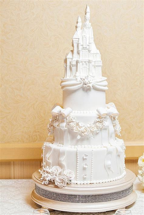 395 best images about Wedding Cakes on Pinterest   Disney