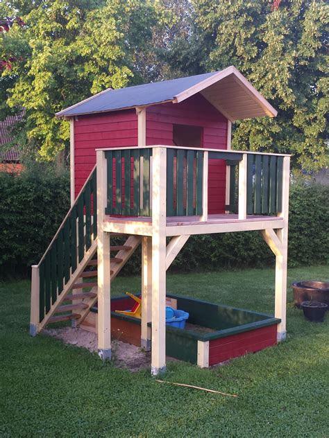 spielturm mit treppe kinder spielhaus garten spielhaus