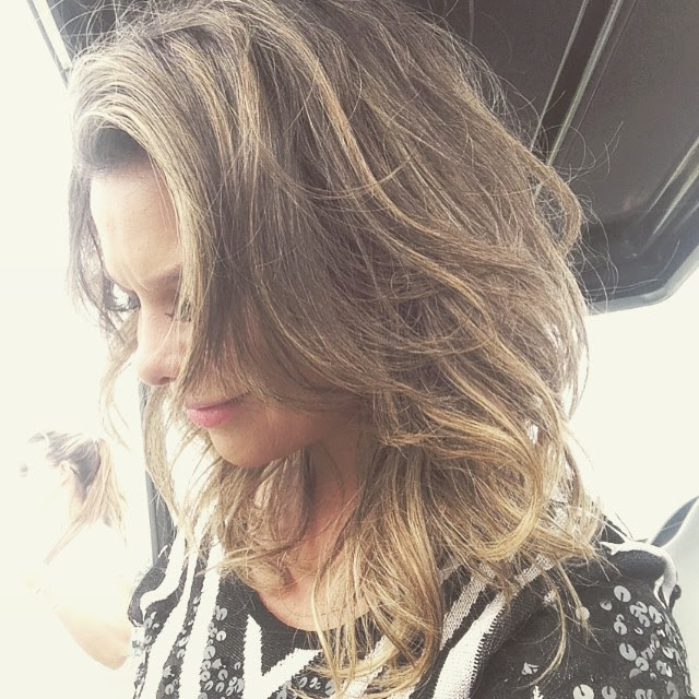 Fernanda Souza cortou até os cabelos para o festival
