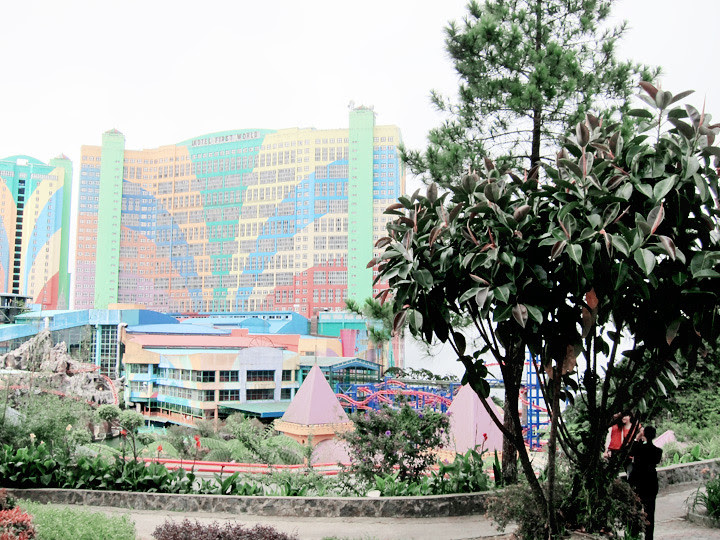 genting outdoor themepark view