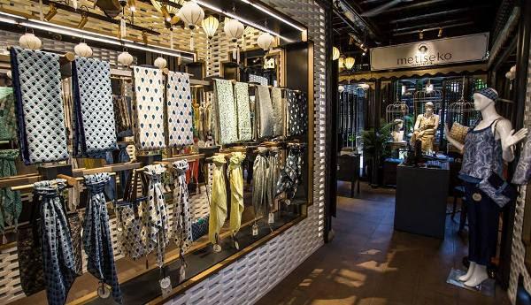 den long trang tri shop thoi trang 5 Đèn lồng trang trí cửa hàng thời trang