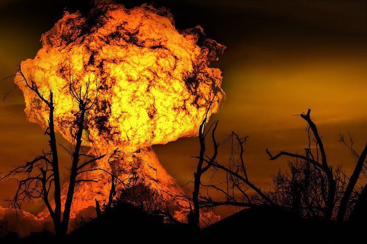 Resultado de imagen para El mercado contra el planeta, compre su billete para huir del apocalipsis
