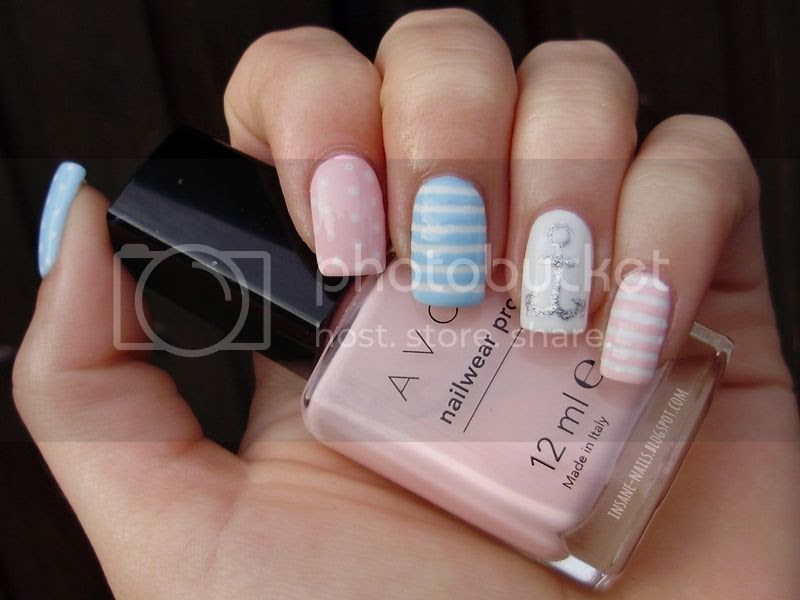 photo pastel-nautical-nails-3_zps2bcf6fb1.jpg