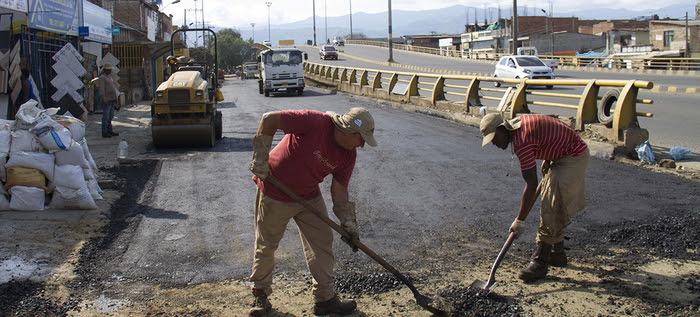 Cuadrillas de bacheo mejoraran el estado de las vías principales, en Semana Santa