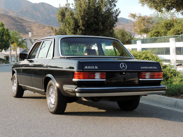 Mercedes-Benz 300-Series Sedan 1985 Black For Sale ...