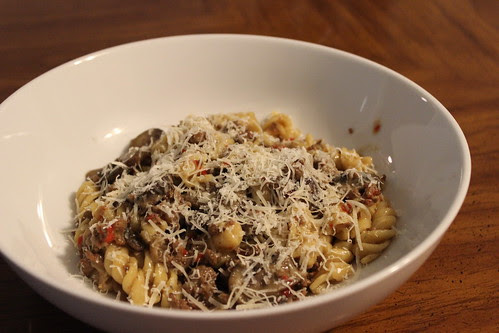 Mushroom & Roasted Red Pepper Pasta