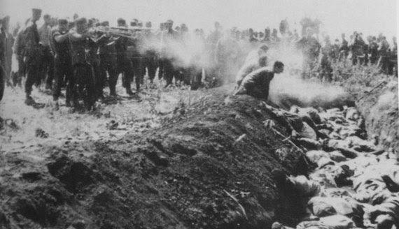 2014-01-20-Shootingintopits.Holocaust.jpg