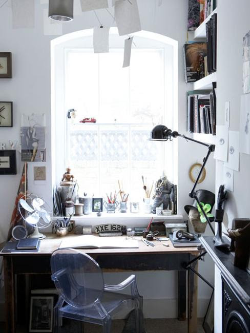 Creative Home Office Decor Ideas to effeciently use small spaces