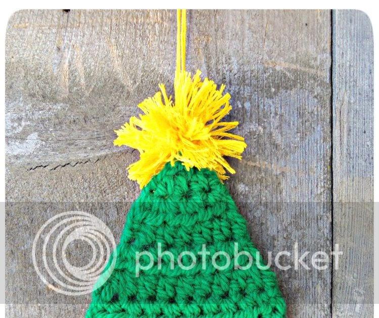 3squeezes Crochet Christmas Tree Ornament