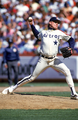 SAN FRANCISCO - APRIL 1991:  Pitcher Curt Schilling #19 of the Houston Astros pitches during an MLB game in April 1991 against the San Francisco Giants at Candlestick Park in San Francisco, California. (Photo by Otto Greule Jr/Getty Images)