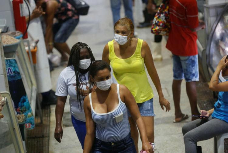 Uso de máscaras vem sendo incentivado | Foto: Rafael Martins | Ag. A TARDE