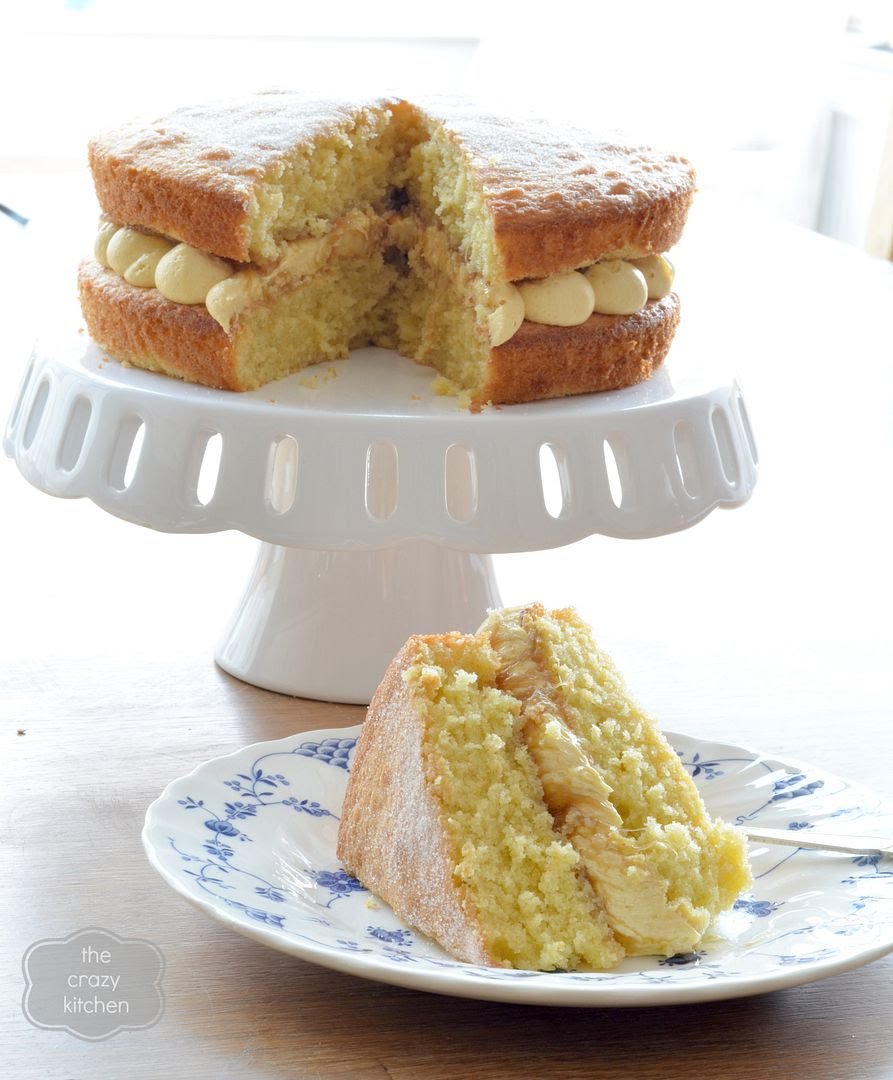 rhubarb and custard sandwich cake