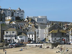 English: Tate St Ives seen from the harbour