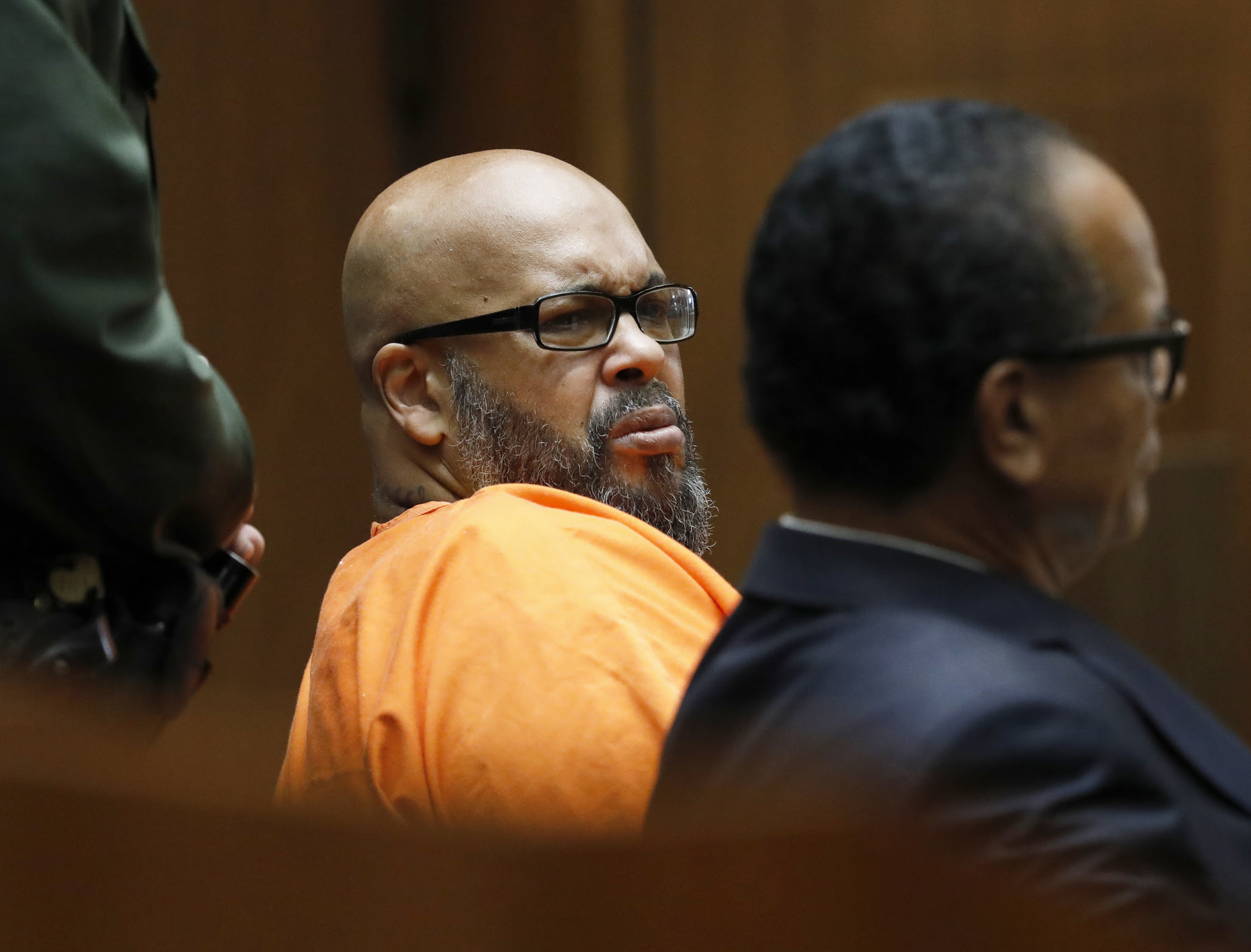 Suge Knight pleads to manslaughter over fatal confrontation, agrees to 28 years prison