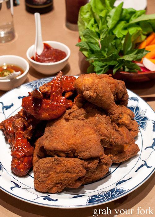 momofuku fried chicken at momofuku noodle bar nyc new york david chang